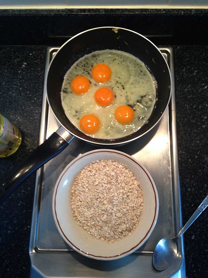 Breakfast - eggs with oats